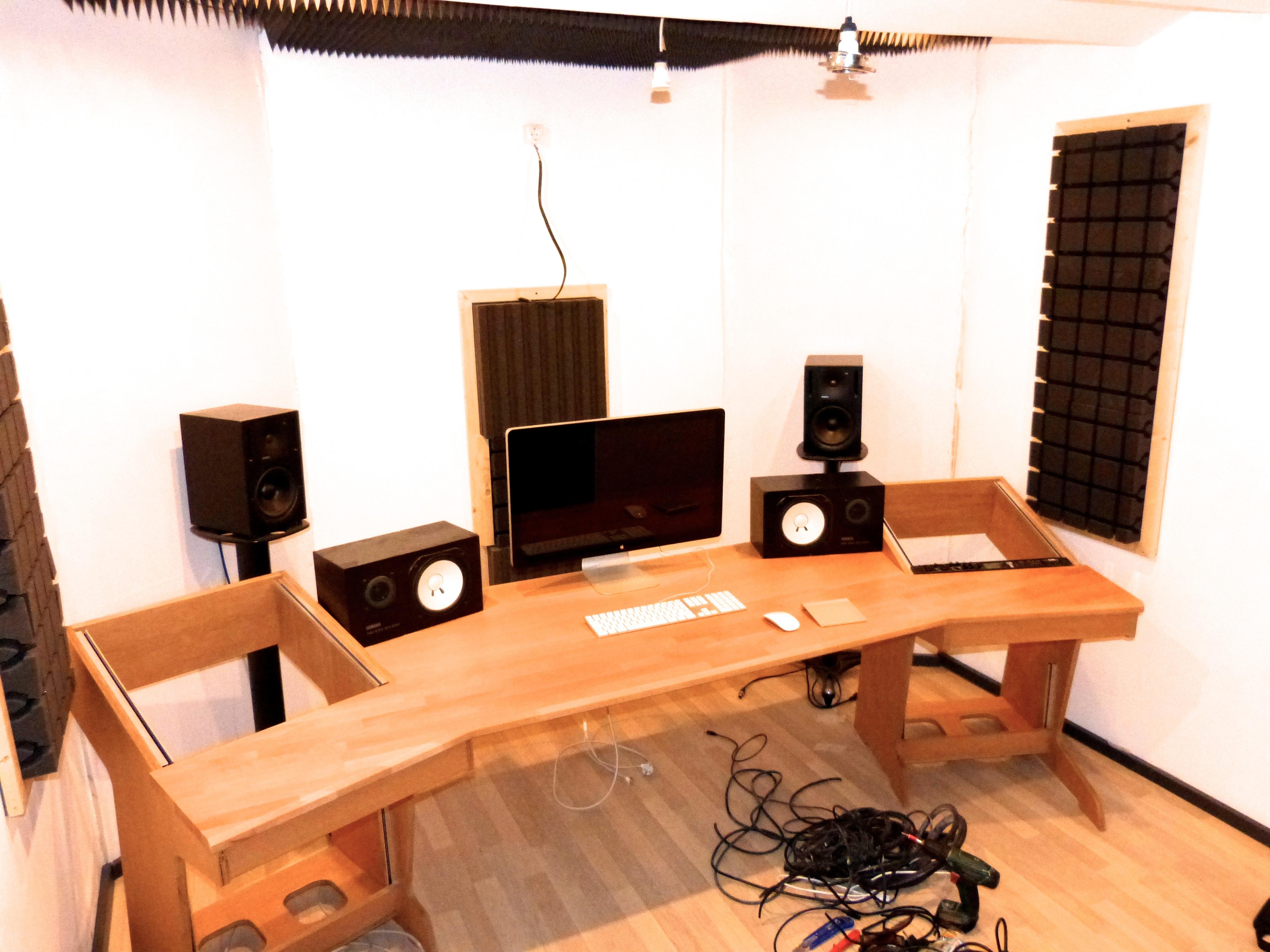 Tisch camaromusic Studio2