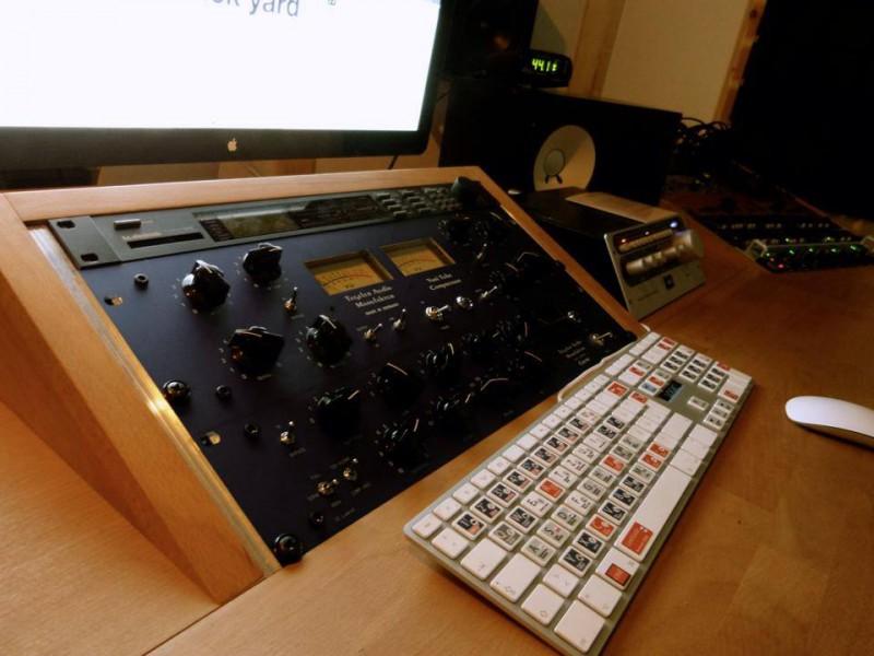 "Regietisch Tonstudio ""Backjard-mastering"""