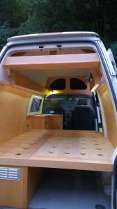 vw t5 langer radstand mit hochdach individueller ausbau nach kundenwunsch werkstatt. Black Bedroom Furniture Sets. Home Design Ideas